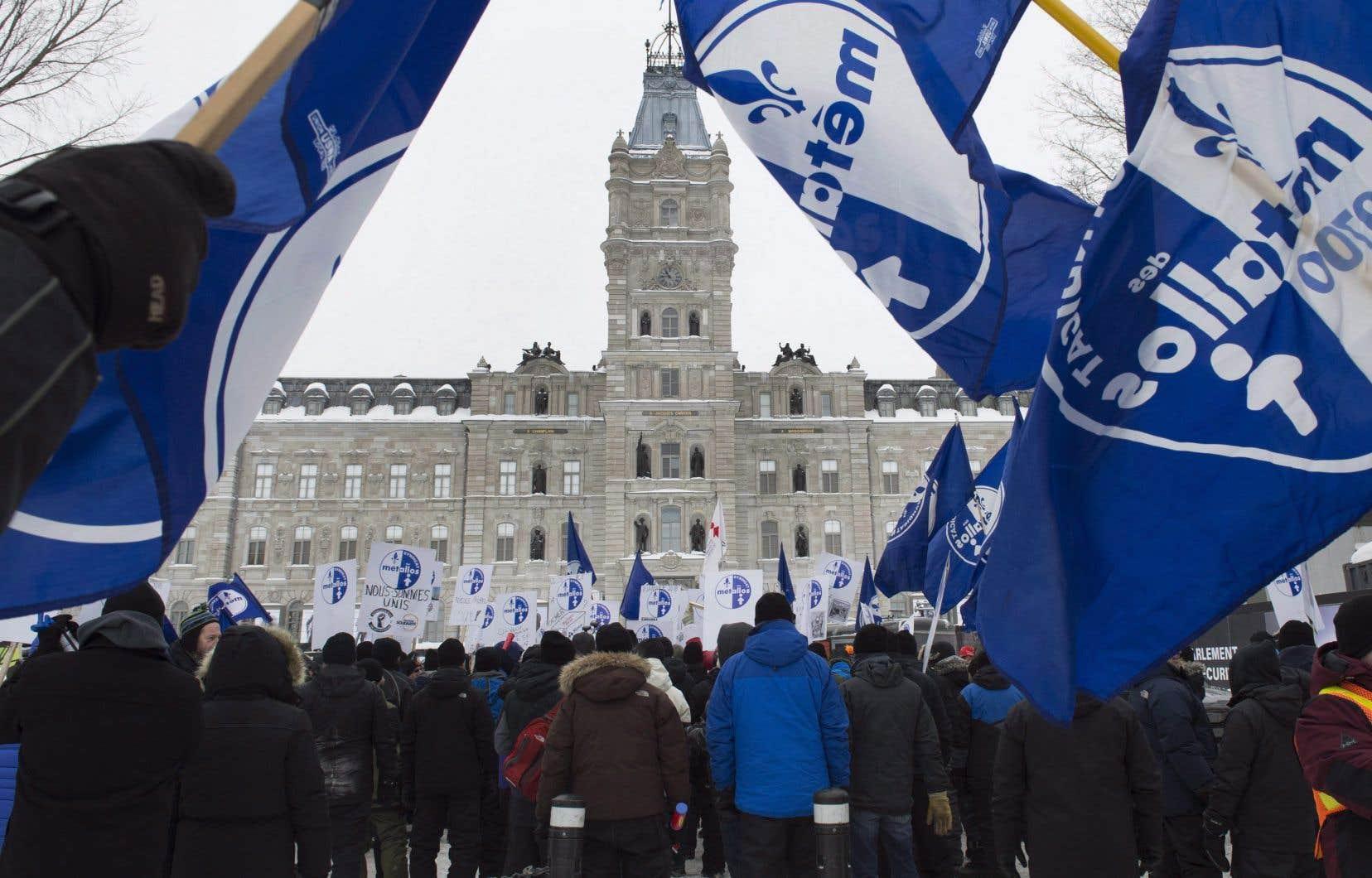Les 1030 travailleurs d'ABI ont été mis en lock-out par la direction de l'entreprise le 11 janvier dernier.