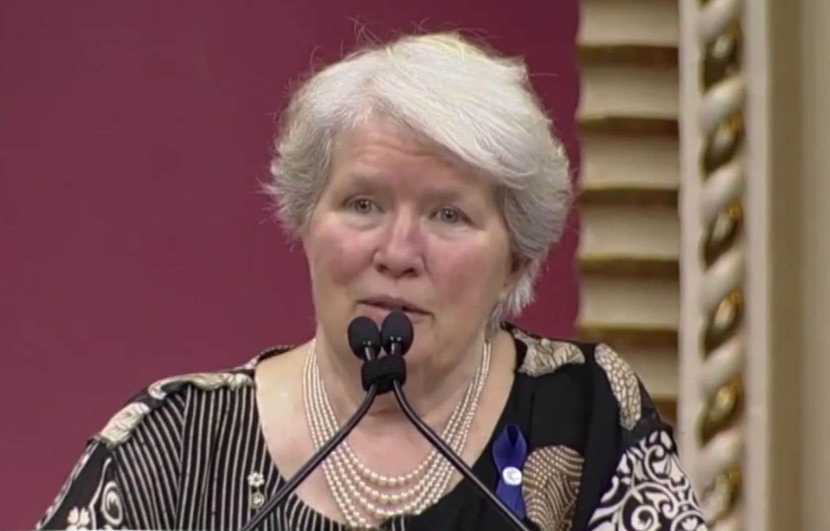 Selon l'auteur, Gisèle Lamoureux appartenait à la chevalerie des temps modernes, celle qui se bat pour sauver la terre. Sur la photo, on l'aperçoit lors de la cérémonie de remise des Prix du Québec 2015.