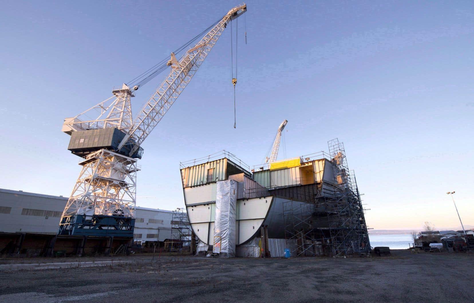 Le chantier maritime loue cet ancien porte-conteneurs converti en ravitailleur à la Marine royale canadienne dans le cadre d'un contrat de cinq ans.