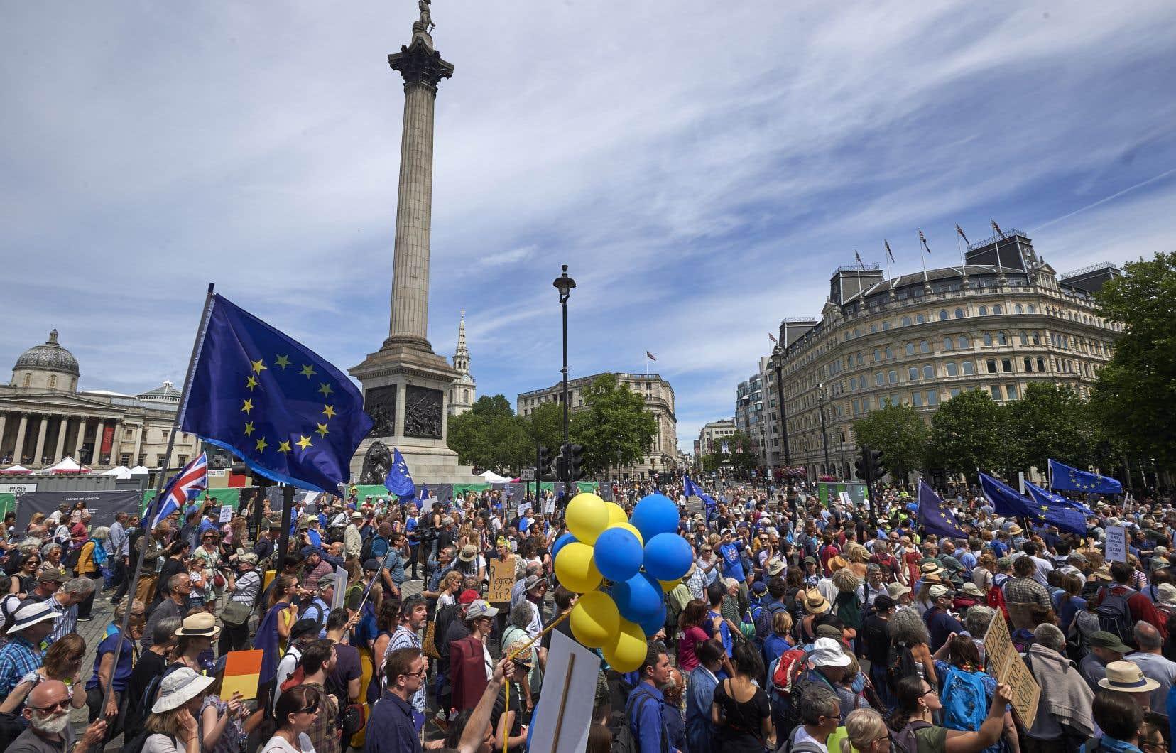 Des dizaines de milliers d'europhiles ont manifesté dans les rues de Londres, le 23juin dernier, pour exiger que le peuple soit consulté sur le résultat final des négociations entre le Royaume-Uni et l'Union européenne.