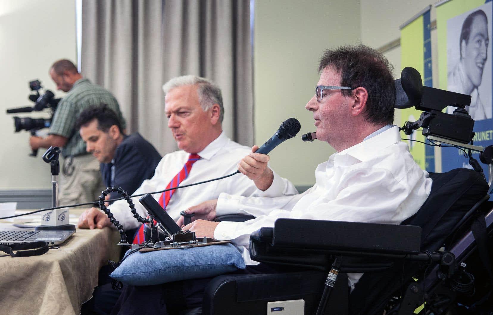 Me Philippe Larochelle, Me Paul G. Brunet, président du Conseil pour la protection des malades, et Daniel Pilotte, codemandeur de l'action collective.