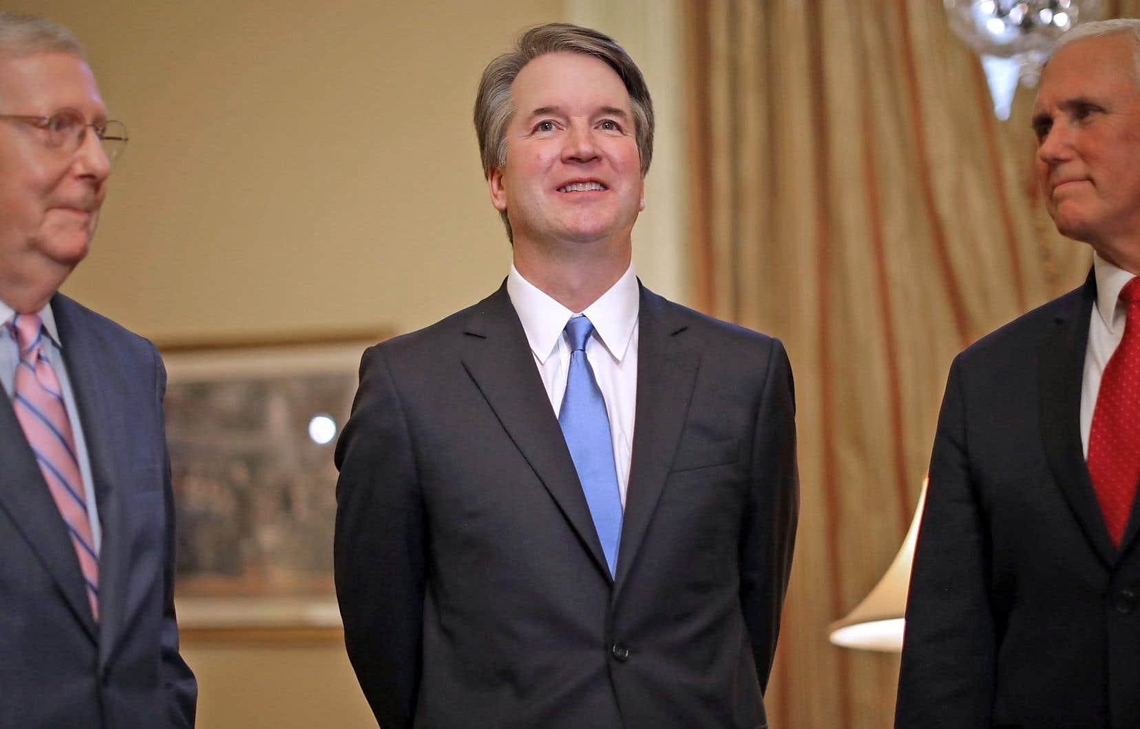 Le juge Brett Kavanaugh s'est présenté devant les représentants de la presse, mardi, au Capitole.