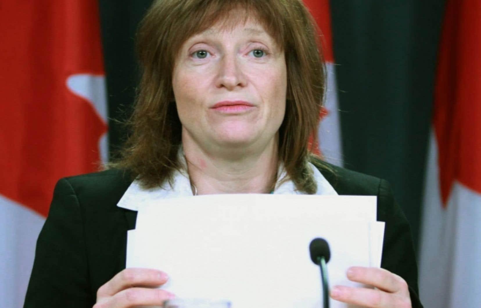 La commissaire à l'information par intérim, Suzanne Legault, a déposé hier un rapport montrant que le gouvernement Harper manque de trans-parence en matière d'accès à l'information.