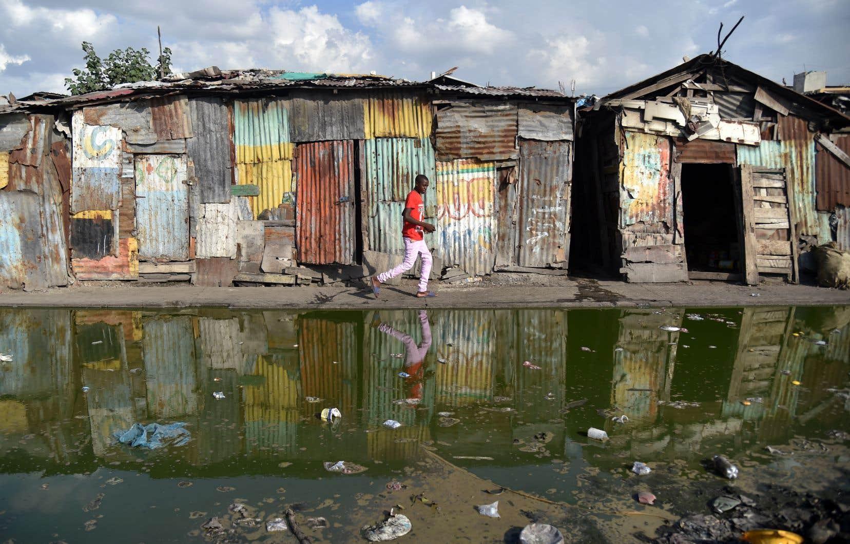 Environ 60% des Haïtiens vivent avec moins de deux dollars par jour.