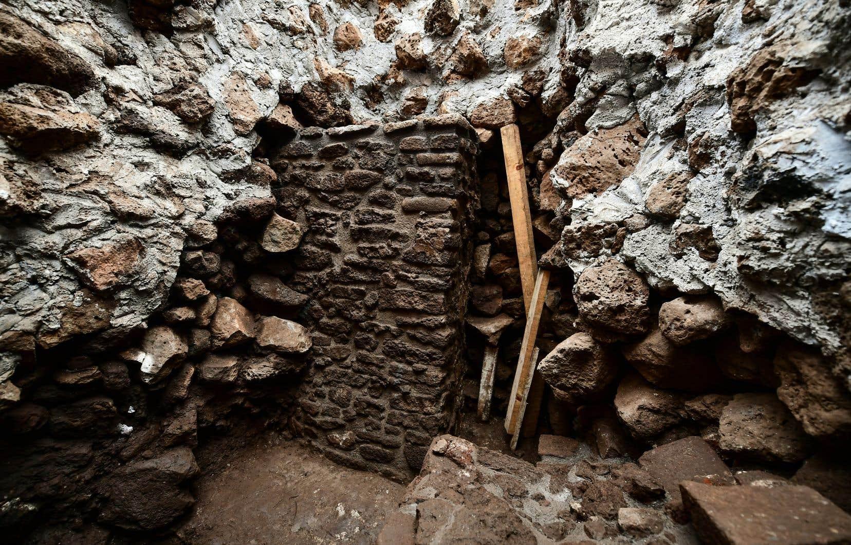 Les vestiges d'un temple dédié à Tláloc ont été trouvés à l'intérieur de la pyramide de Teopanzolco.