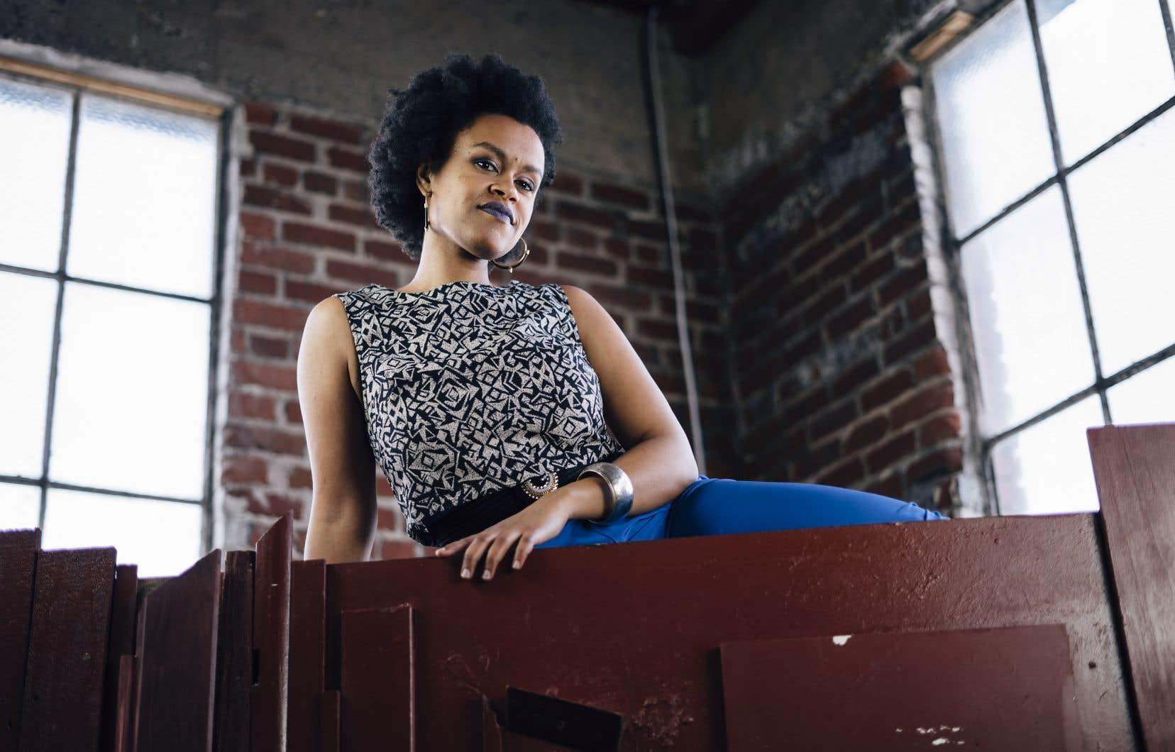 L'auteure, compositrice et interprète californienne Meklit amorce un virage stylistique en embrassant les influences musicales de son pays d'origine, l'Éthiopie.