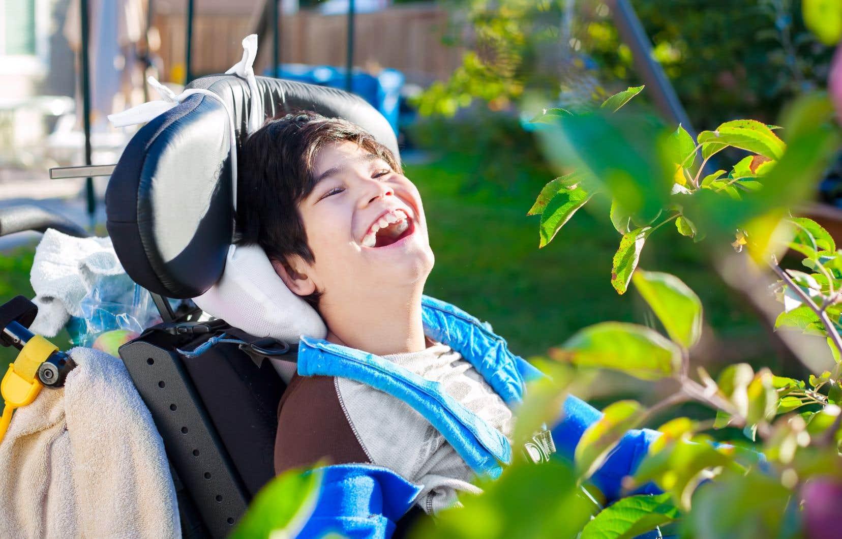 Le parent qui assume lui-même la garde et les soins de son enfant handicapé a droit à 25632$ par année à titre de soutien étatique (en moyenne), alorsque la famille d'accueil à qui on en confiera la charge en lieu et place obtiendra 44254$ (en moyenne).