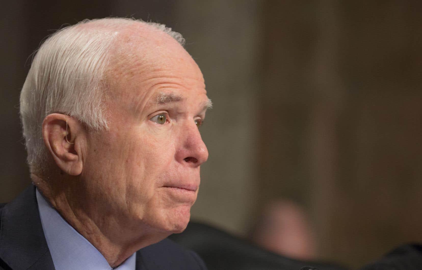 Le sénateur républicain John McCain