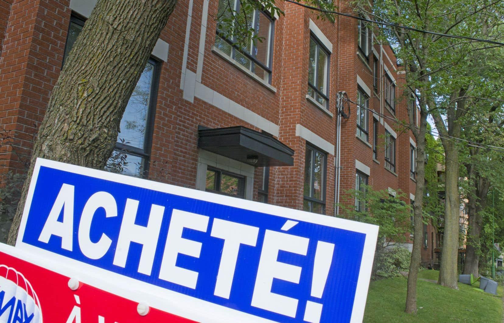 Le prix médian des maisons unifamiliales vendues au Québec s'est établi à 255000$ au cours du trimestre, en hausse de 2% sur un an.
