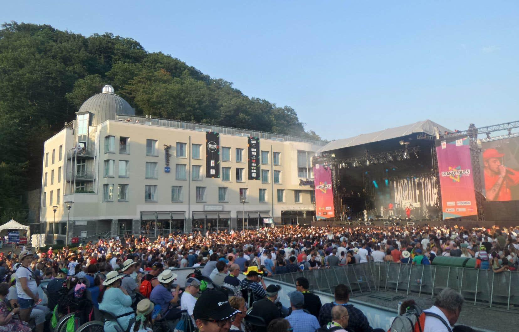 Cette année, tous les spectacles ont été regroupés en un seul endroit afin de réduire les coûts.