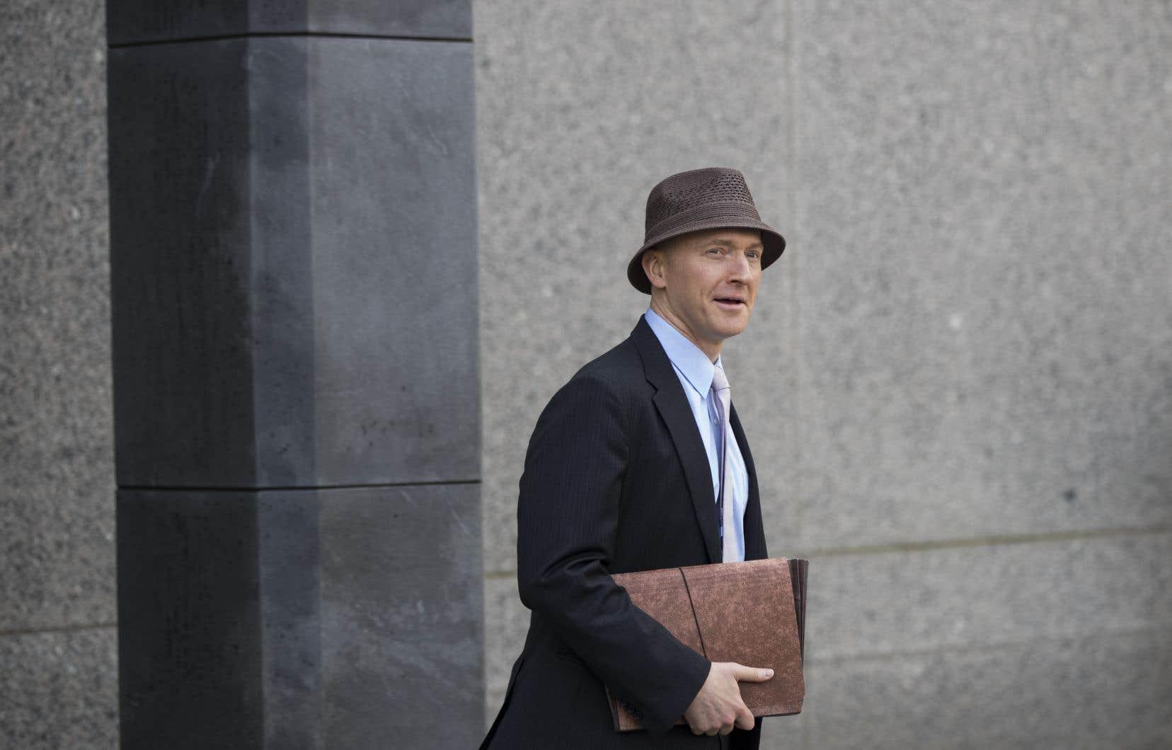Carter Page, conseiller pour la politique étrangère de l'équipe Trump pendant sa campagne, est directement nommé dans un document de la juridiction chargée de contrôler la surveillance d'espions.