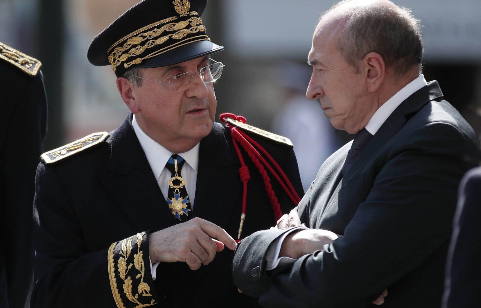 Le préfet de police de Paris, Michel Delpuech, et le ministre français de l'Intérieur, Gérard Collomb, en avril dernier