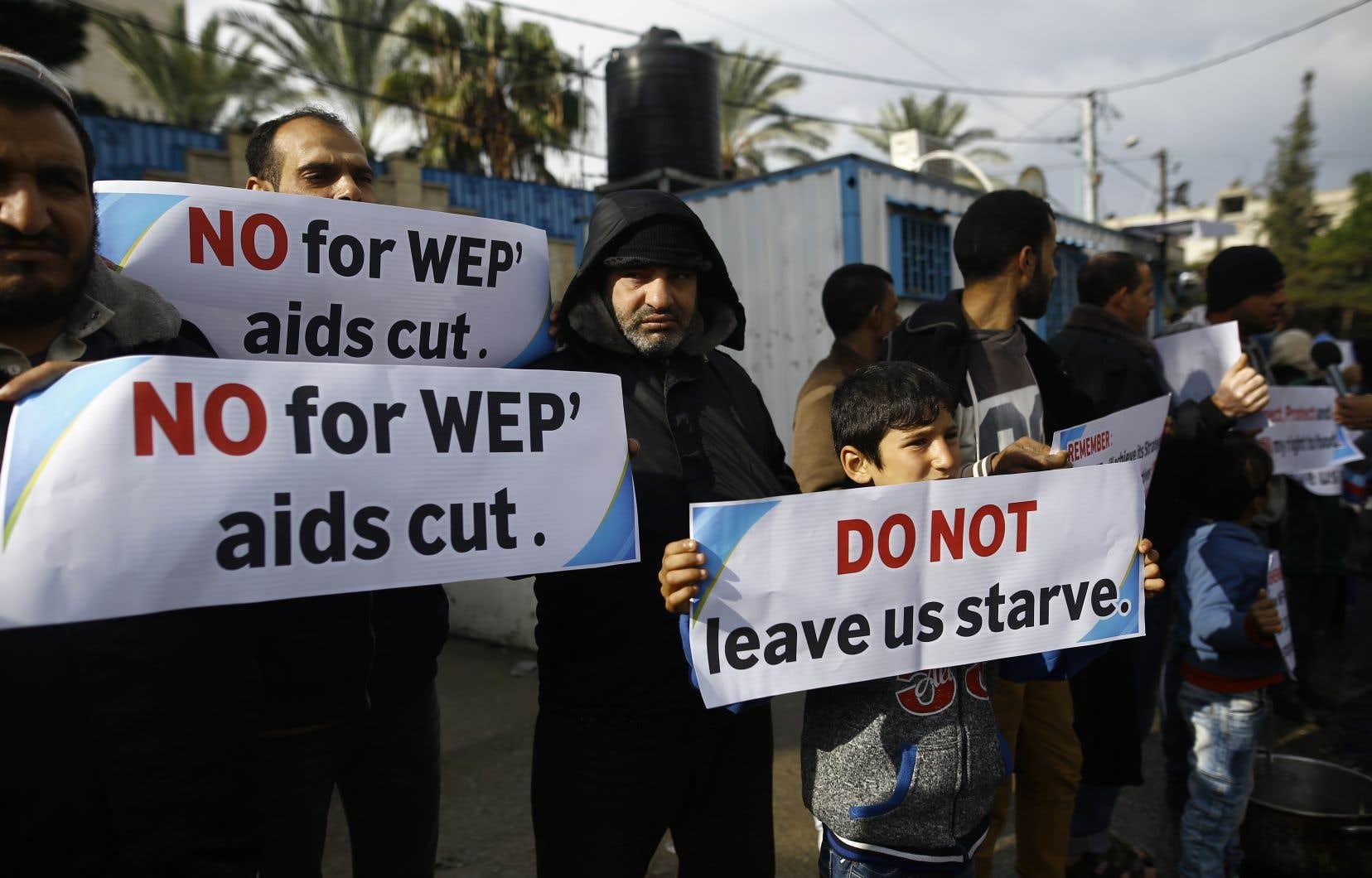 Manifestation contre les baisses de l'aide internationale devant les locaux de l'ONU à Gaza, en janvier dernier