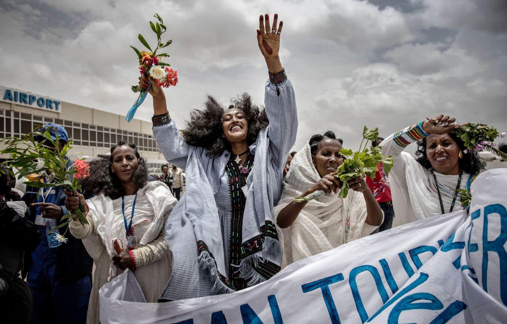 L'arrivée d'un premier vol à Asmara en provenance d'Addis-Abeba depuis la fin de la guerre entre l'Érythrée et l'Éthiopie, le 18juillet dernier, a donné lieu à de grands moments de réjouissances.
