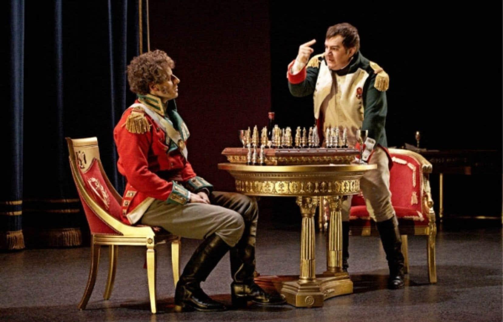 Gabriel Sabourin et Benoît Brière dans une scène de la pièce Une partie avec l'Empereur.