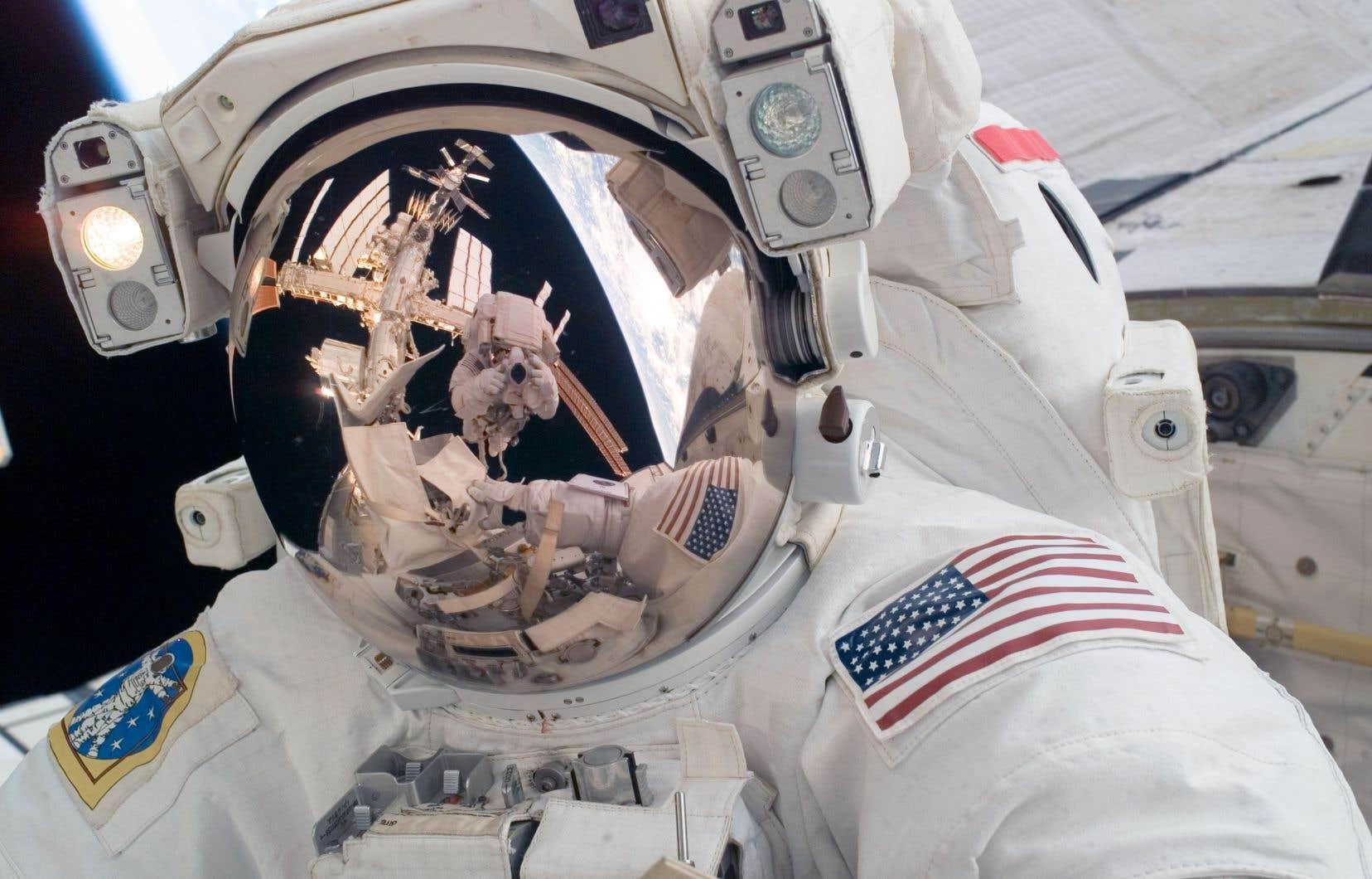 La NASA ne peut plus envoyer seule des astronautes dans l'espace depuis 2011, lorsque son programme de navettes spatiales a pris fin au bout de 30ans.