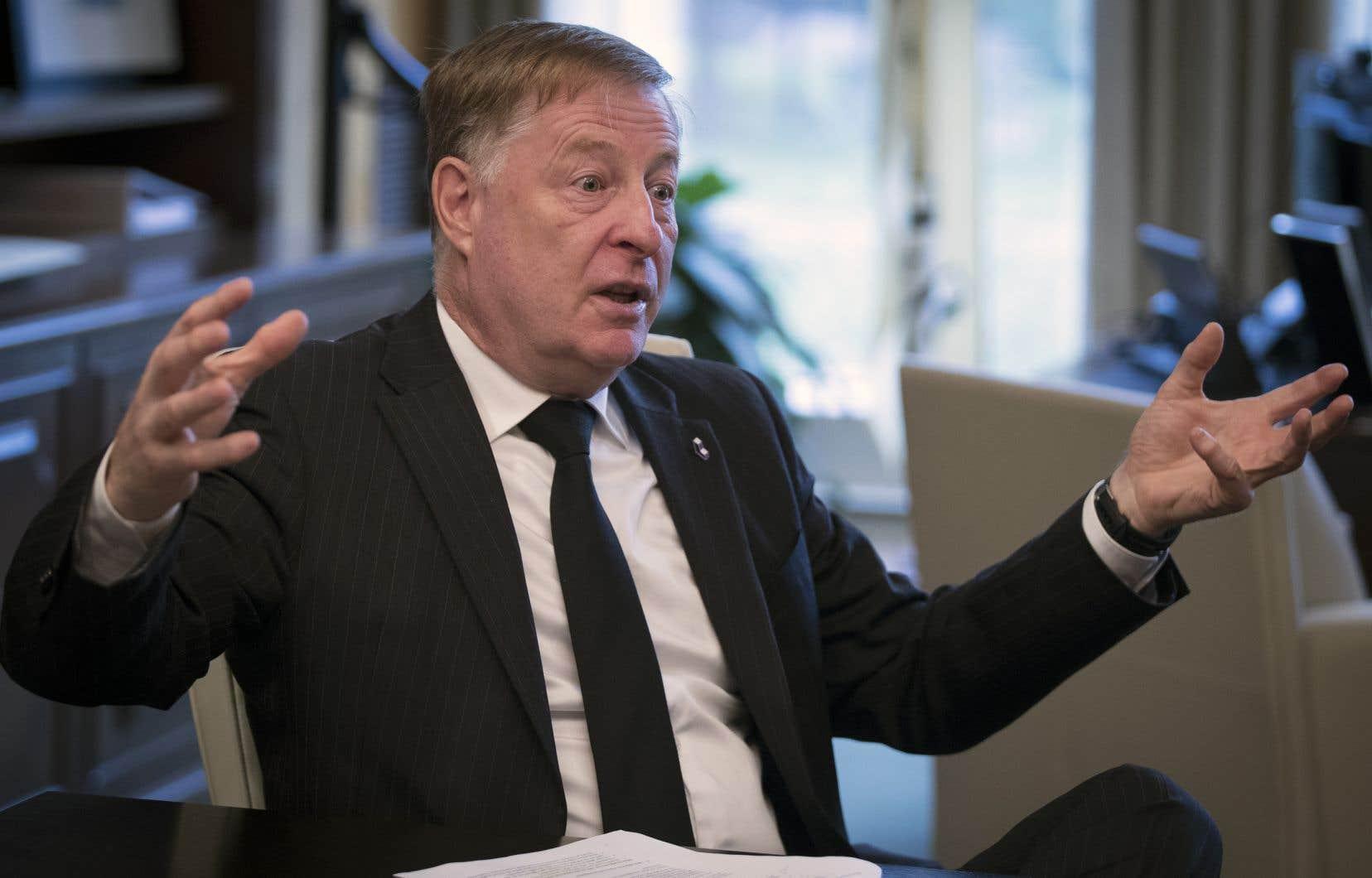 Le maire de Laval, Marc Demers, a l'intention de rester en poste même si l'opposition réclame sa démission.