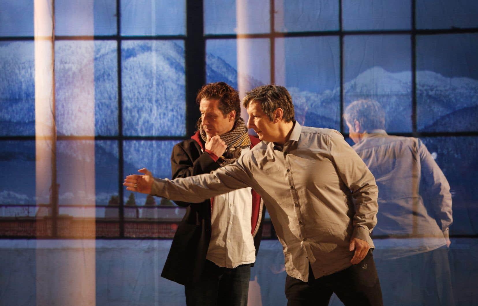 Sébastien Brottet-Michel et Robert Lepage lors de répétitions de la pièce «Kanata», en février 2018