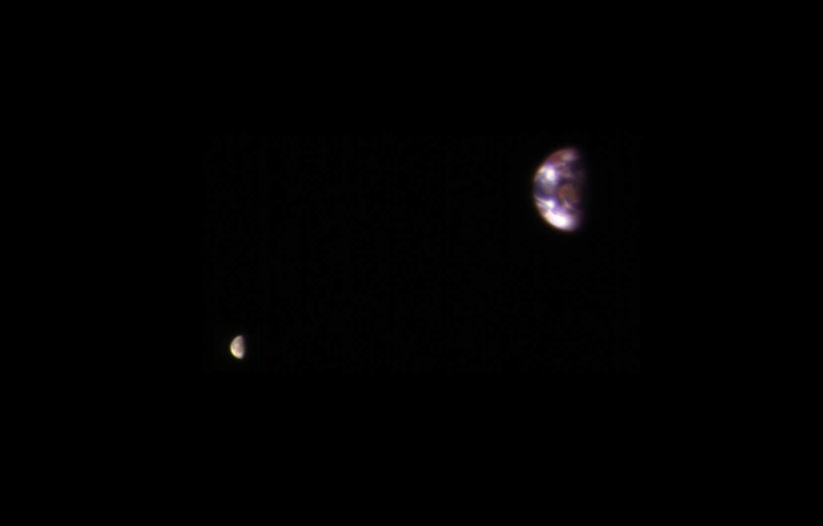 La Terre et la Lune, vues de la planète Mars
