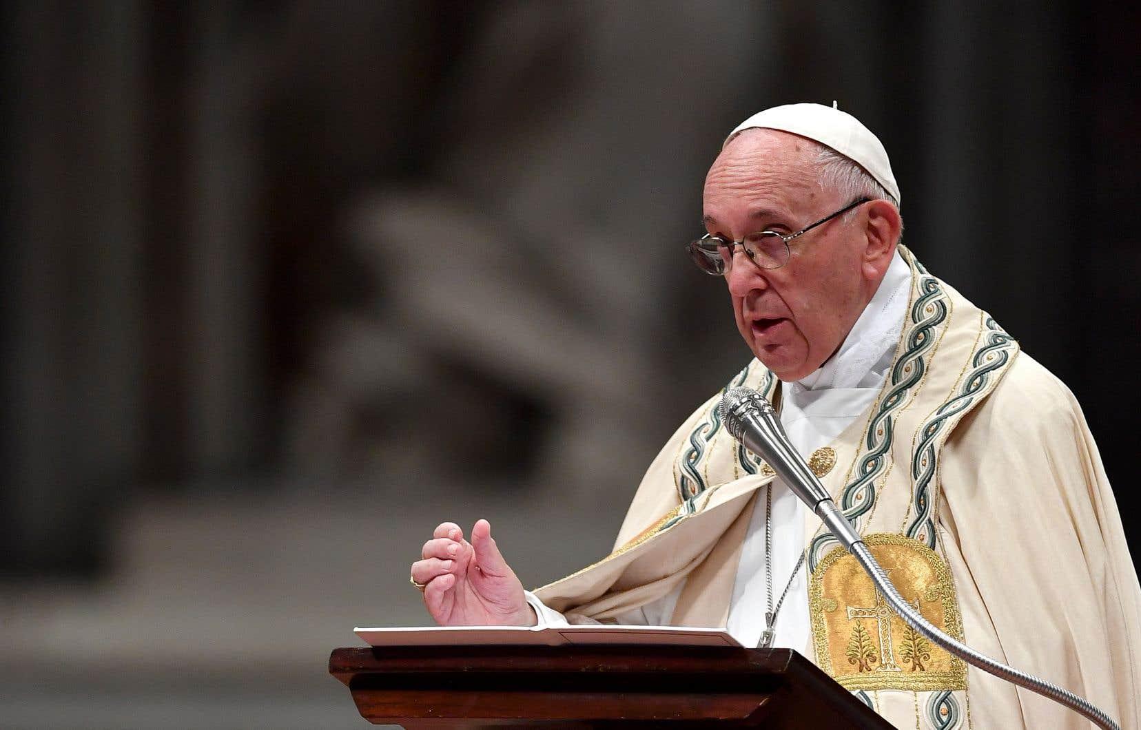 Le pape Françoissouhaite désormais que l'Église s'engage «de façon déterminée» à abolir la peine de mort partout dans le monde.