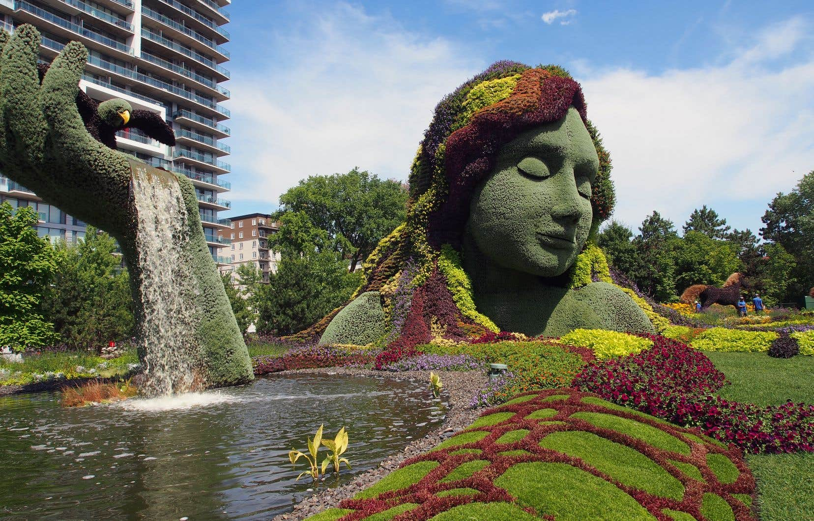 «Terre Mère» est une œuvre iconique de Mosaïcultures internationales.