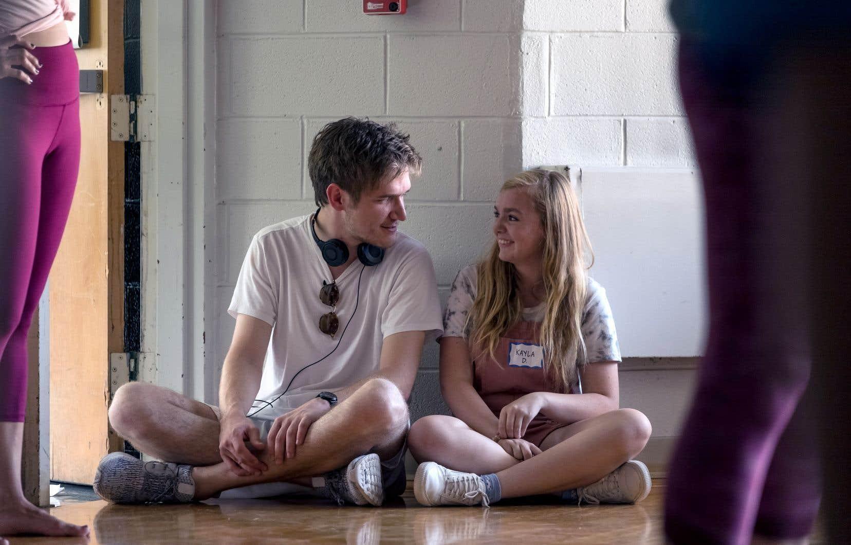 «Je meconsidère chanceux de l'avoir eue», dit Bo Burnham (à gauche), réalisateur néophyte de 27 ans, de son actrice, Elsie Fisher (à droite), qui incarne à merveille l'insécurité de l'adolescence.