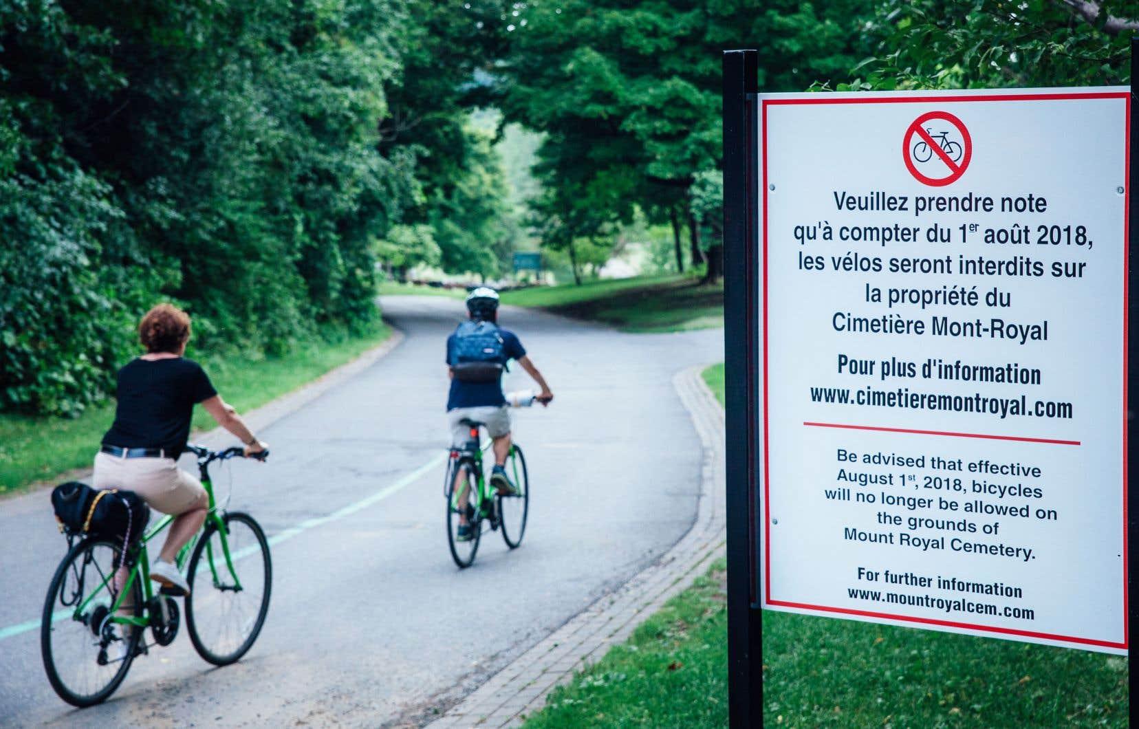 «Les cyclistes, comme tous les autres citoyens, comprennent bien le côté sacré d'un cimetière», affirme l'auteur.