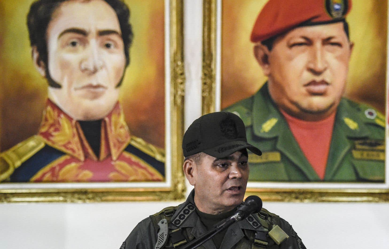 Le ministre vénézuelien de la défense, Padrino Lopez, s'est adressé à la presse au lendemain de l'attentat présumé visant le président Nicolas Maduro et au cours duquel sept soldats ont été blessés.