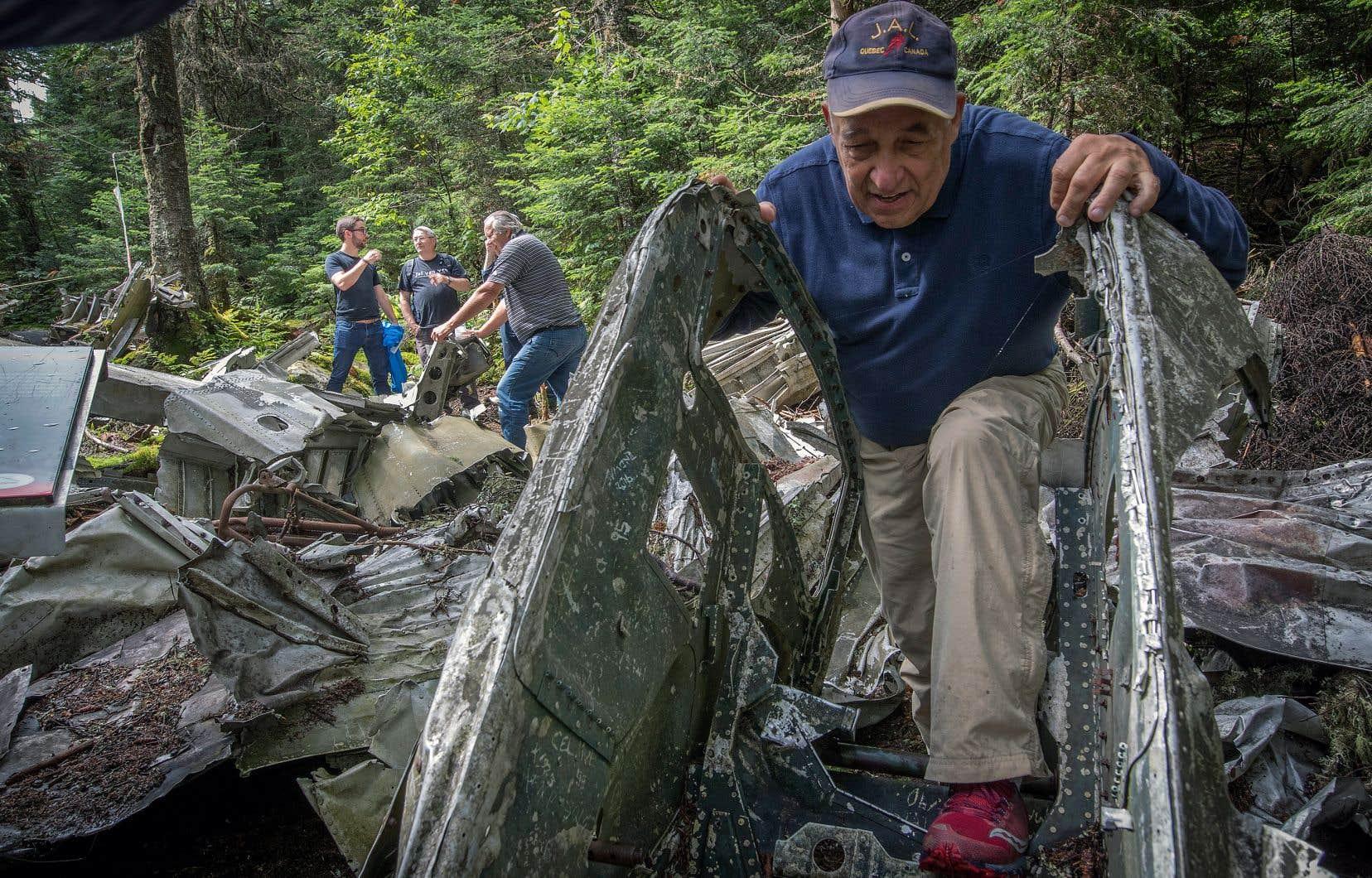 Jacques Deguire fait partie des Gardiens du Liberator, un groupe fondé il y a plus de vingt ans pour entretenir le site de l'écrasement du bombardier de l'armée canadienne sur la montagne Noire en 1943.