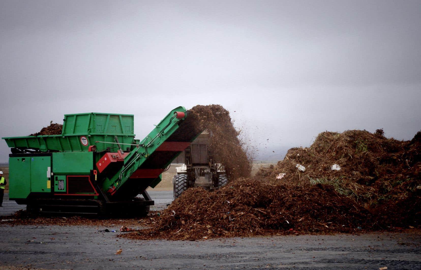 Selon une entreprise de distribution alimentaire, le centre de compostage sera établi trop près de ses bâtiments.