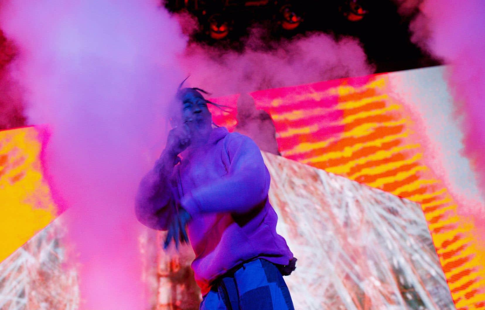 Le rappeur américain Travis Scott est arrivé avec une heure de retard et a offert une performance abrégée de 40 minutes.