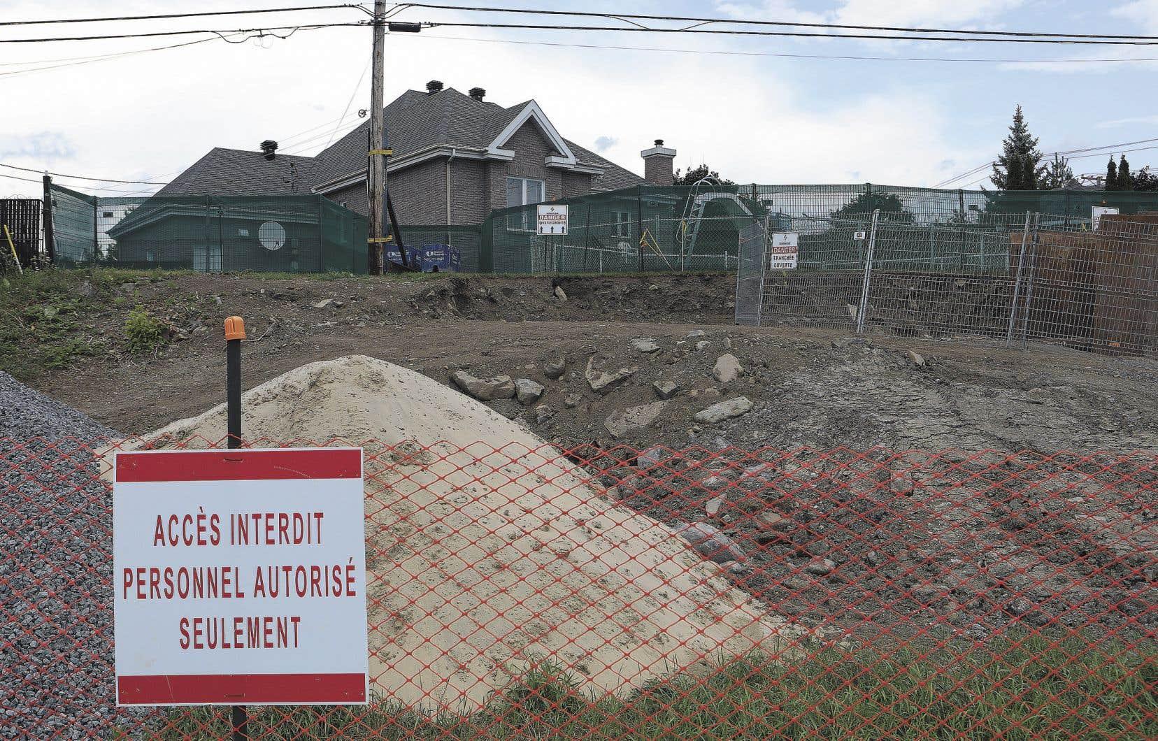 Pipeline Trans-Nord mène présentement des travaux d'«urgence» sur son pipeline de kérosène dans un secteur résidentiel de Laval.