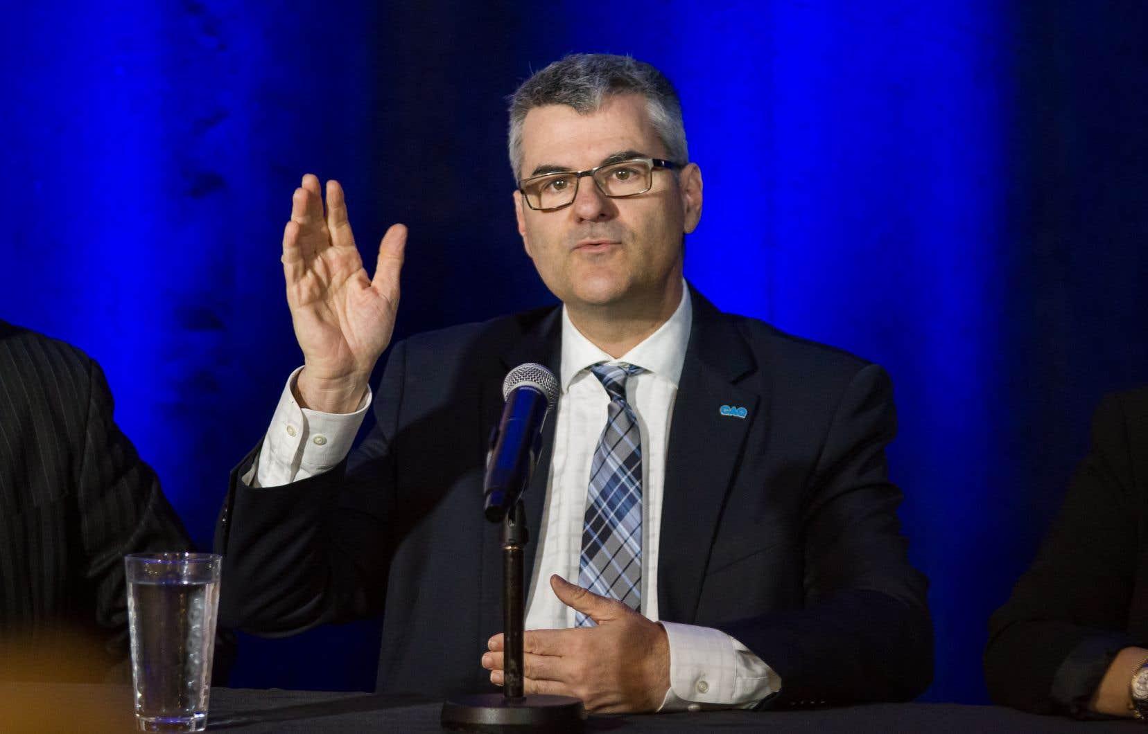Le député caquiste Éric Caire a récemment pris position contre le prolongement d'une autoroute dans sa propre circonscription.