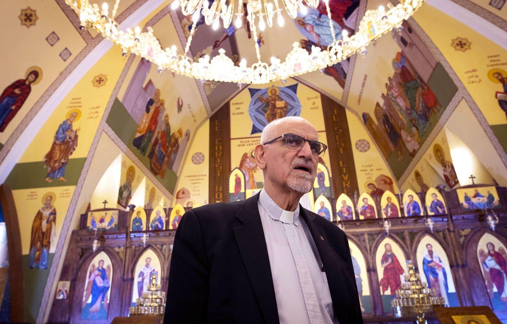 Michel Fawaz dans l'église d'Antioche de la Vierge Marie, à Montréal, qu'il a contribué à rénover