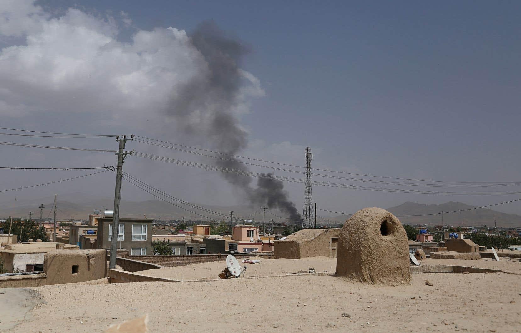 Samedi, le gouvernement s'était montré confiant en affirmant avoir repris «le contrôle» de Ghazni, ville de 280000 habitants à deux heures au sud de la capitale, sur l'axe principal reliant Kandahar à Kaboul.