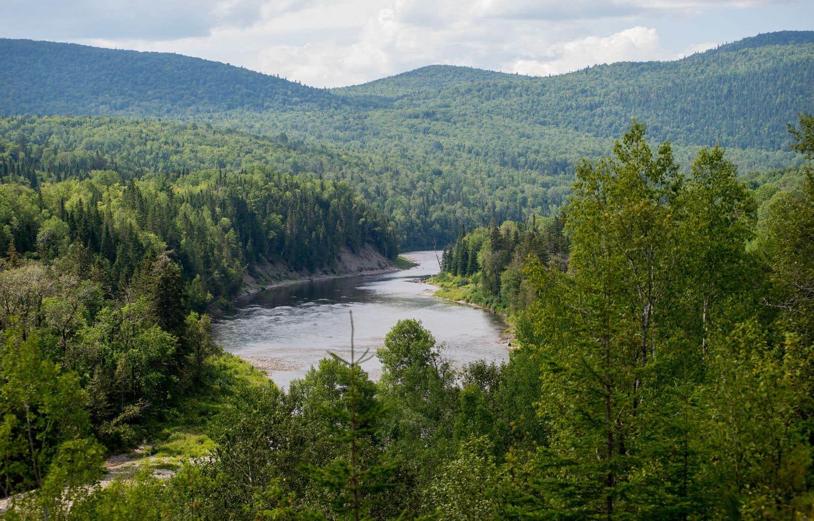 «La fracturation dans le schisteet en milieu hydriqueau Québec, c'est non, affirme le ministre. Nos lacs et nos rivières ne sont pas ouverts aux pétrolières.»