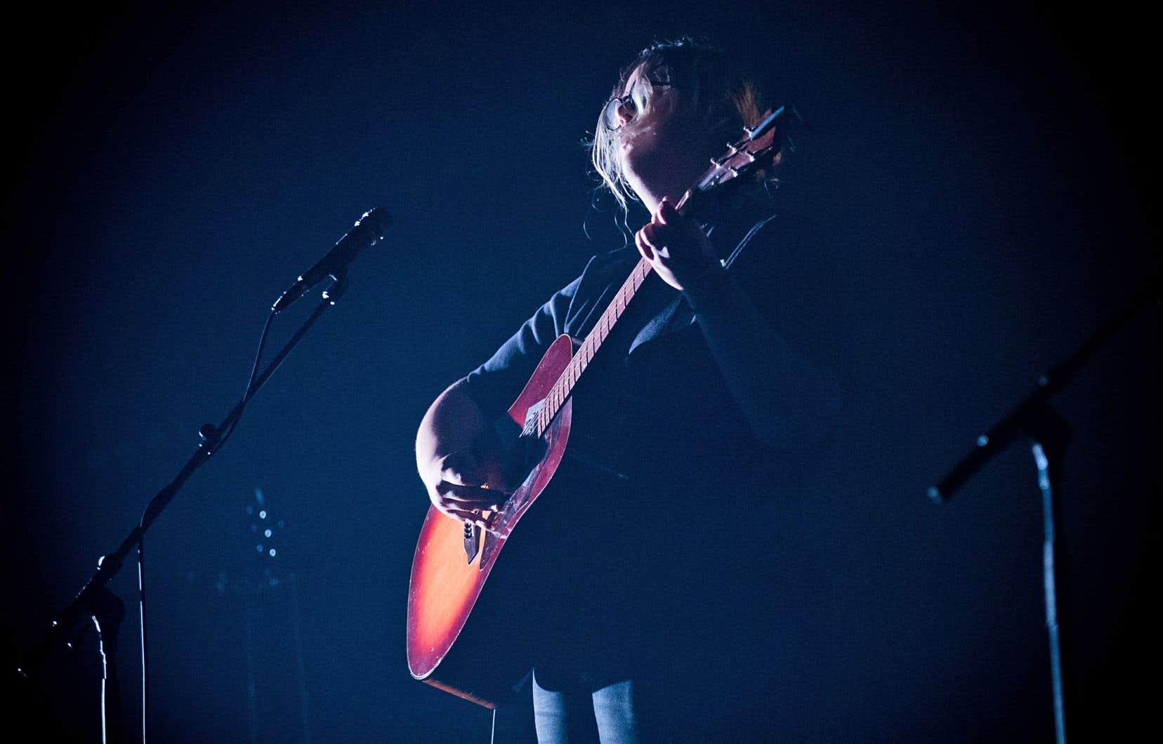 Le Festival international de la chanson de Granby a révélé de nombreux artistes, dont Safia Nolin.