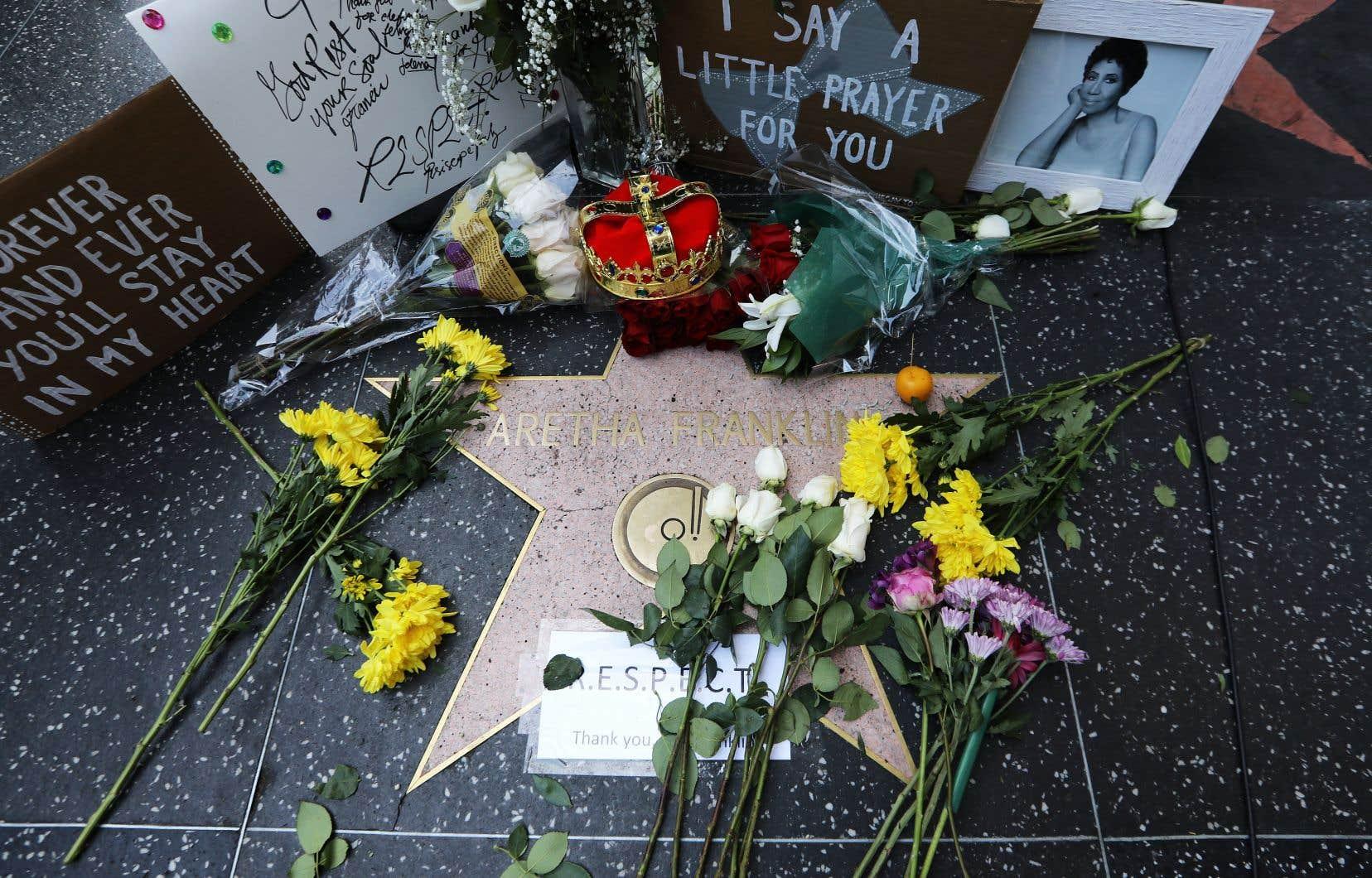 Les hommages à la légende de la chanson américaine Aretha Franklin se multiplient depuis jeudi matin.