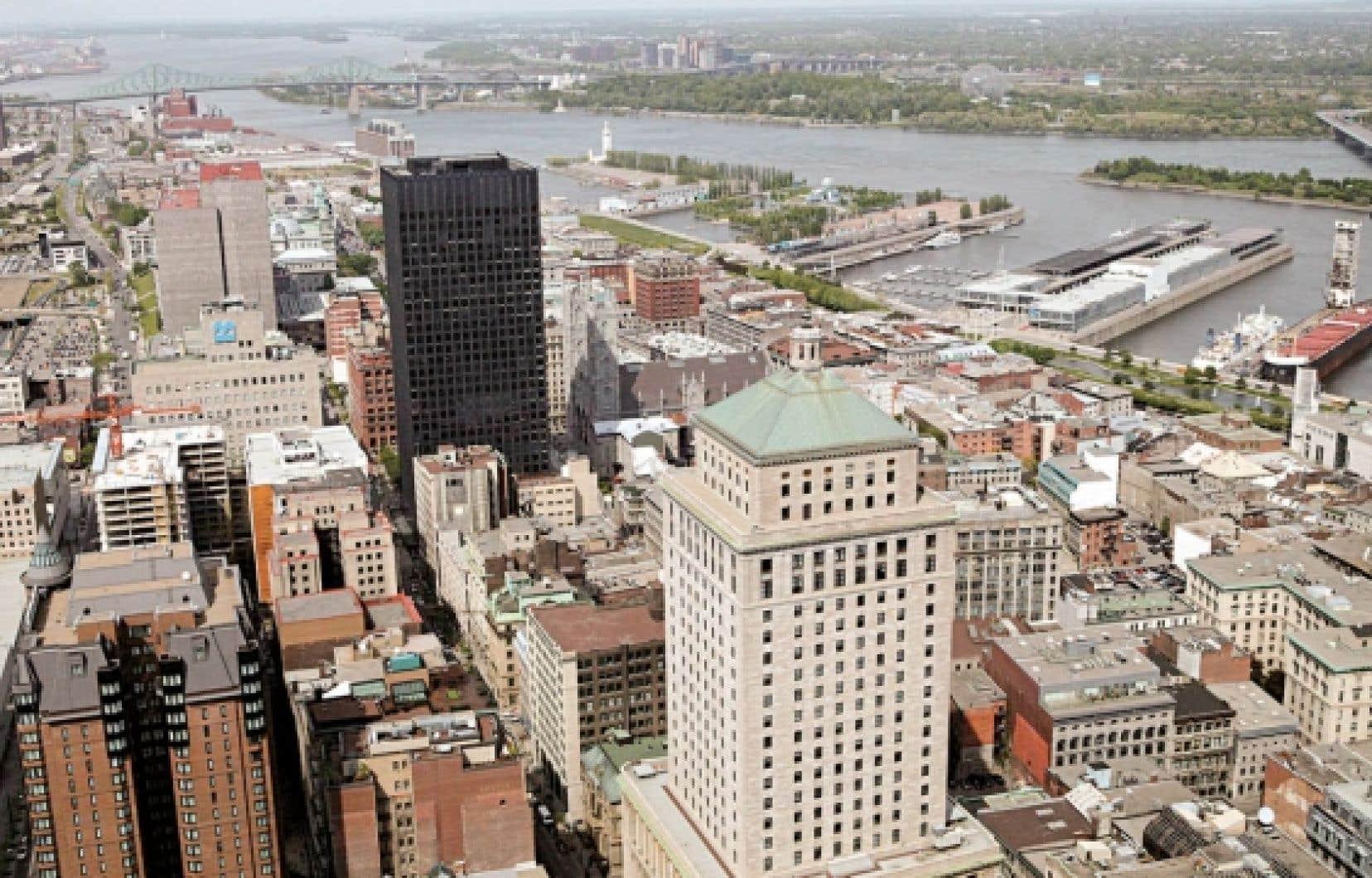 Plusieurs intervenants du Sommet sur la biodiversité de Montréal ont noté qu'une des failles dans la protection des écosystèmes de la région était l'absence ou l'inapplication des normes de protection des rives.
