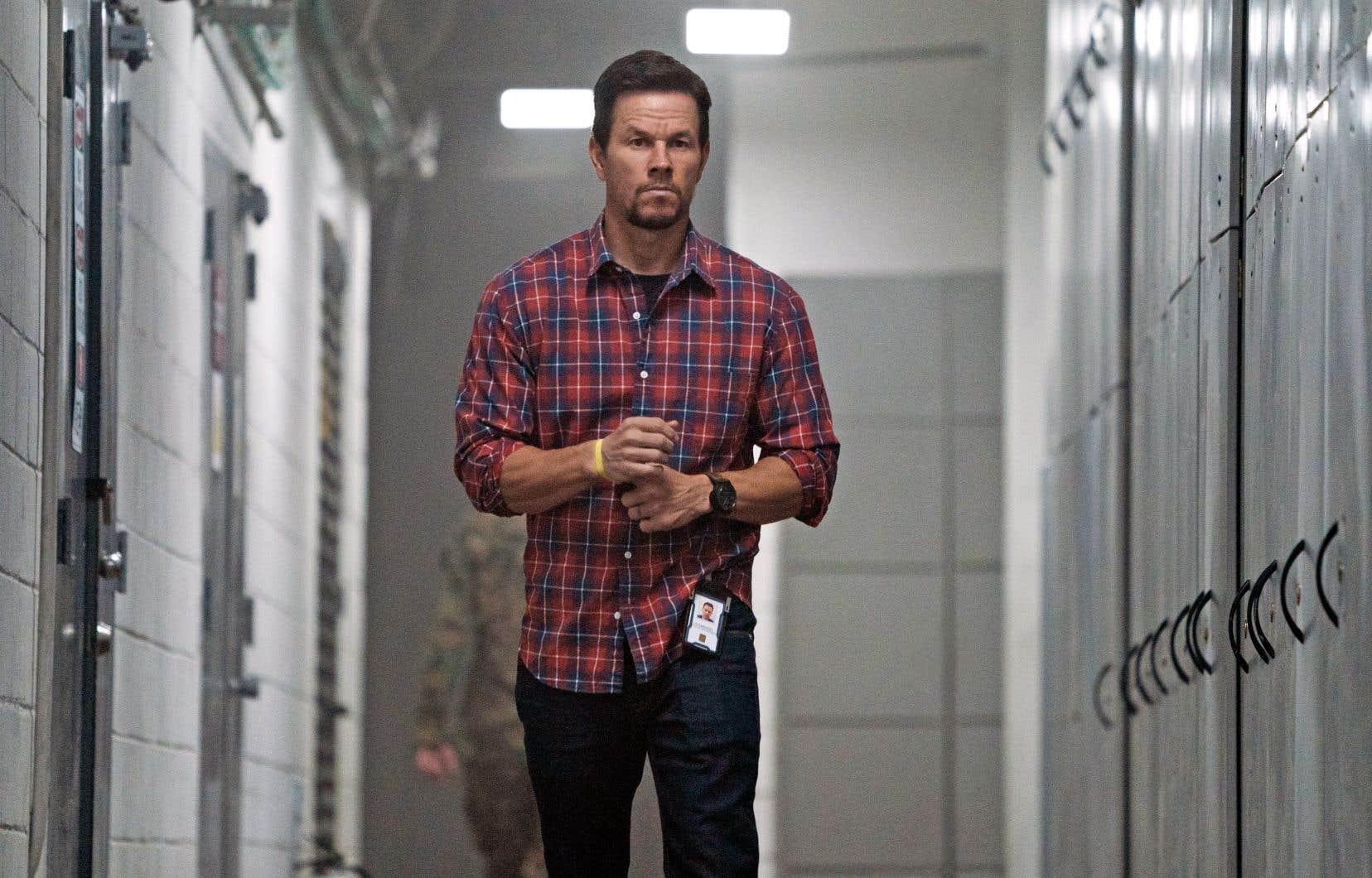 Dans «Cible 22», Mark Wahlberg incarne un agent de la CIA qui doit exfiltrer un policier indonésien.