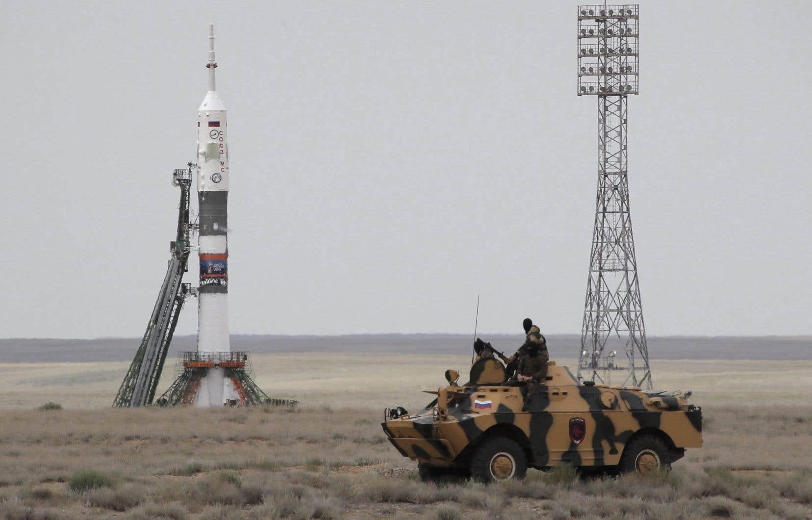 Depuis 2011,pour monter à la Station spatiale internationale, les astronautes doivent embarquer dans une capsule Soyouz.