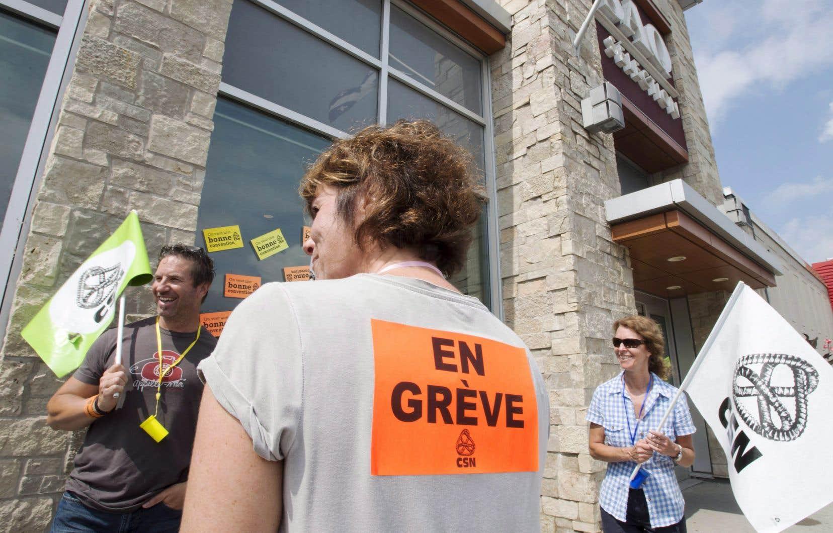 En laissant savoir qu'ils débraieront mercredi, les travailleurs espèrent aussi pouvoir compter sur la solidarité de la population dans le respect des piquets de grève.