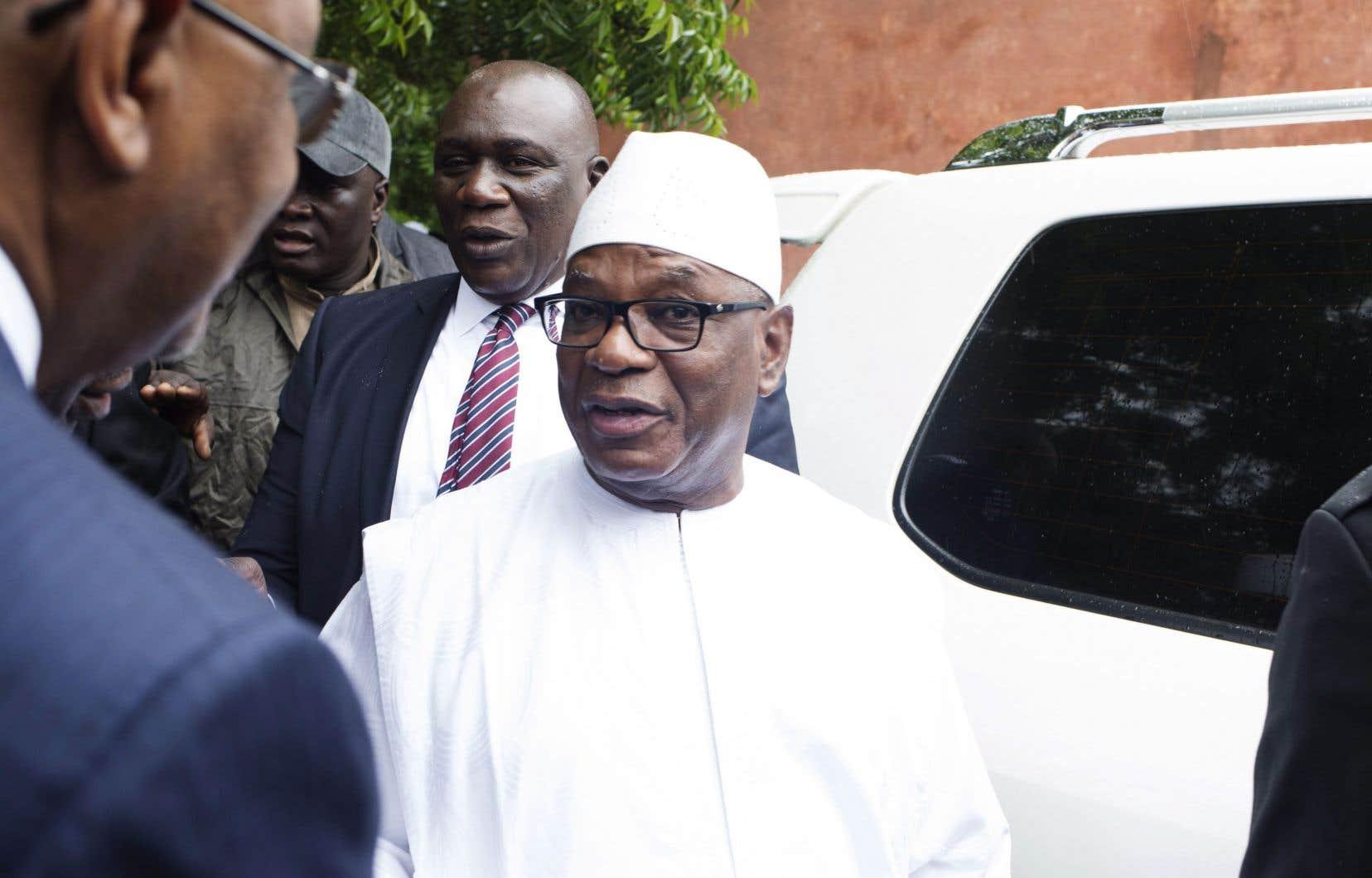 Le président malien sortant, Ibrahim Boubacar Keïta (au centre)