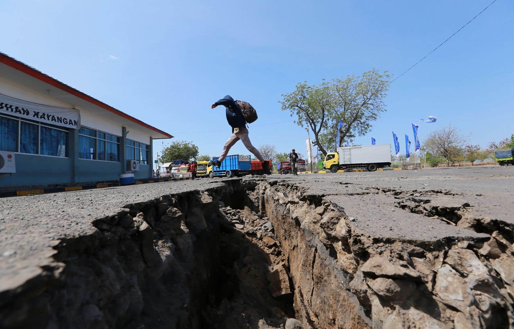Les tremblements de terre qui ont secoué Lombok depuis fin juillet sont le résultat d'une collision entre la plaque tectonique australienne et la plaque eurasienne, selon des géologues.