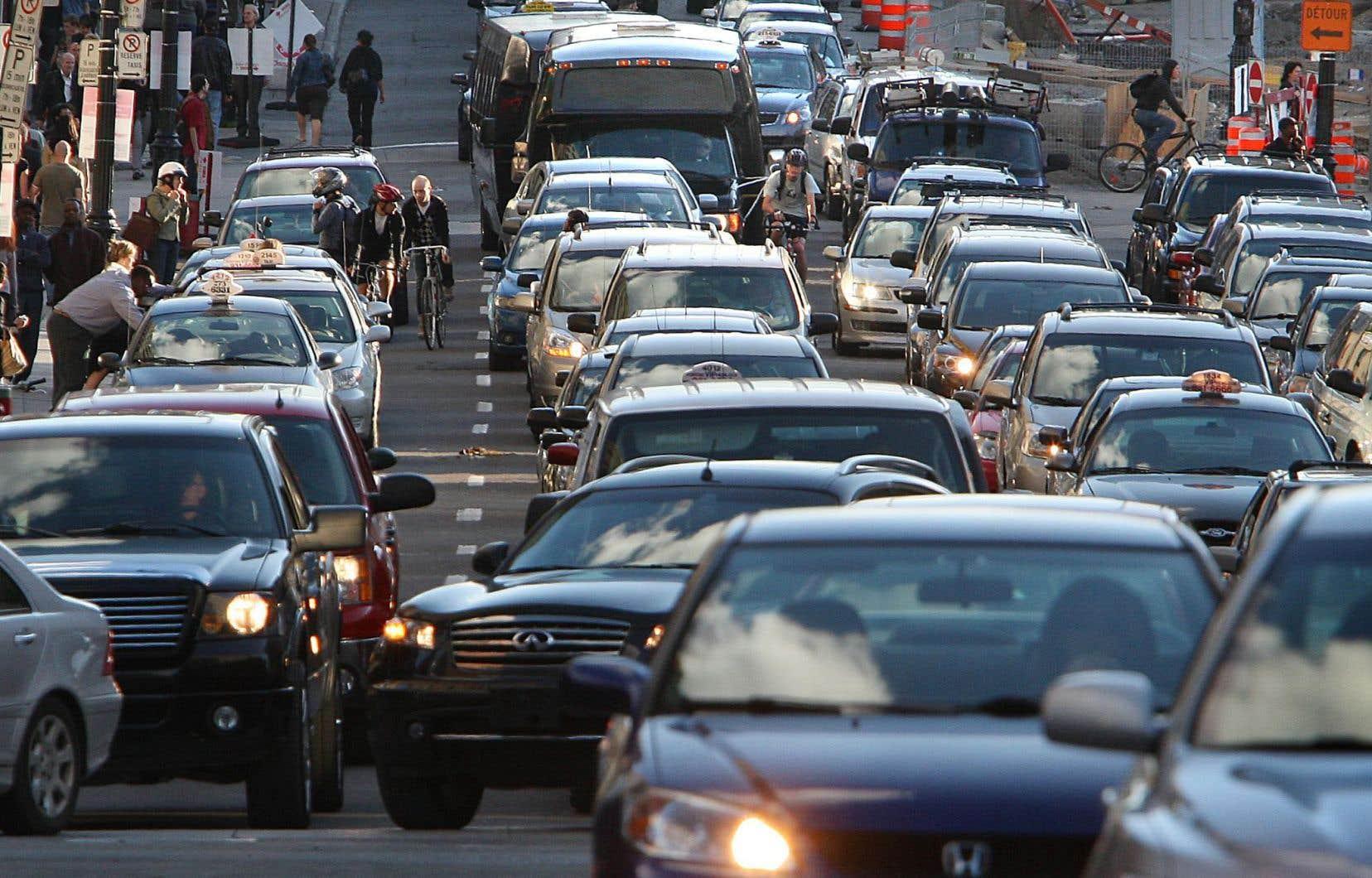 Le gouvernement a lancé lundi les «consultations» sur l'évaluation de la réglementation sur les émissions de gaz à effet de serre des véhicules légers.