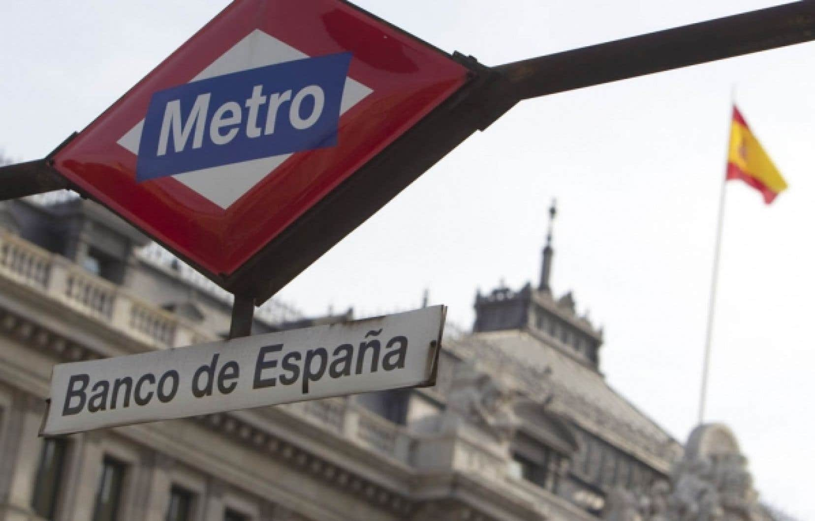 L'agence d'évaluation financière Standard and Poor's a abaissé hier la cote de l'Espagne, une économie cinq fois plus importante que la Grèce.