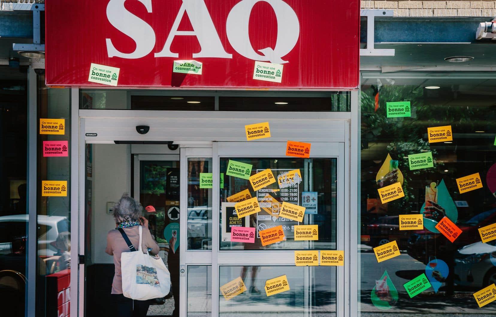 Les travailleurs syndiqués de la SAQ avaient débrayé une première fois, le 17 juillet dernier.