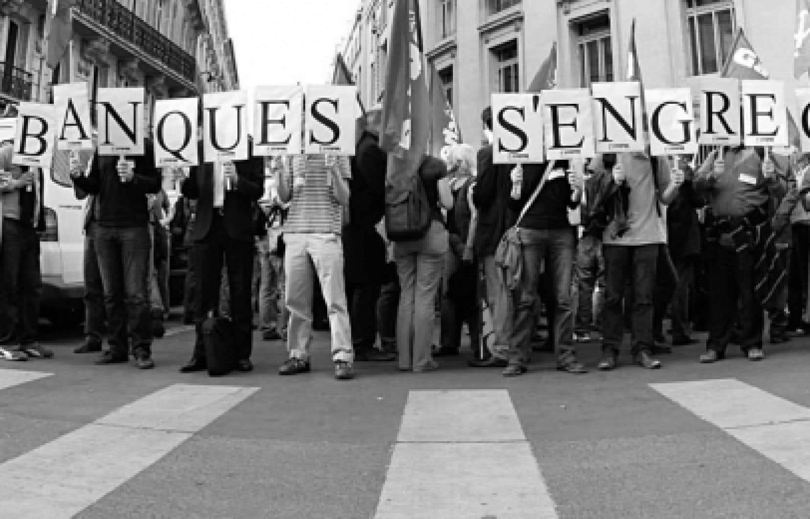 Dans certains coins d'Europe, en France notamment, des citoyens ont manifesté leur solidarité envers le peuple grec.