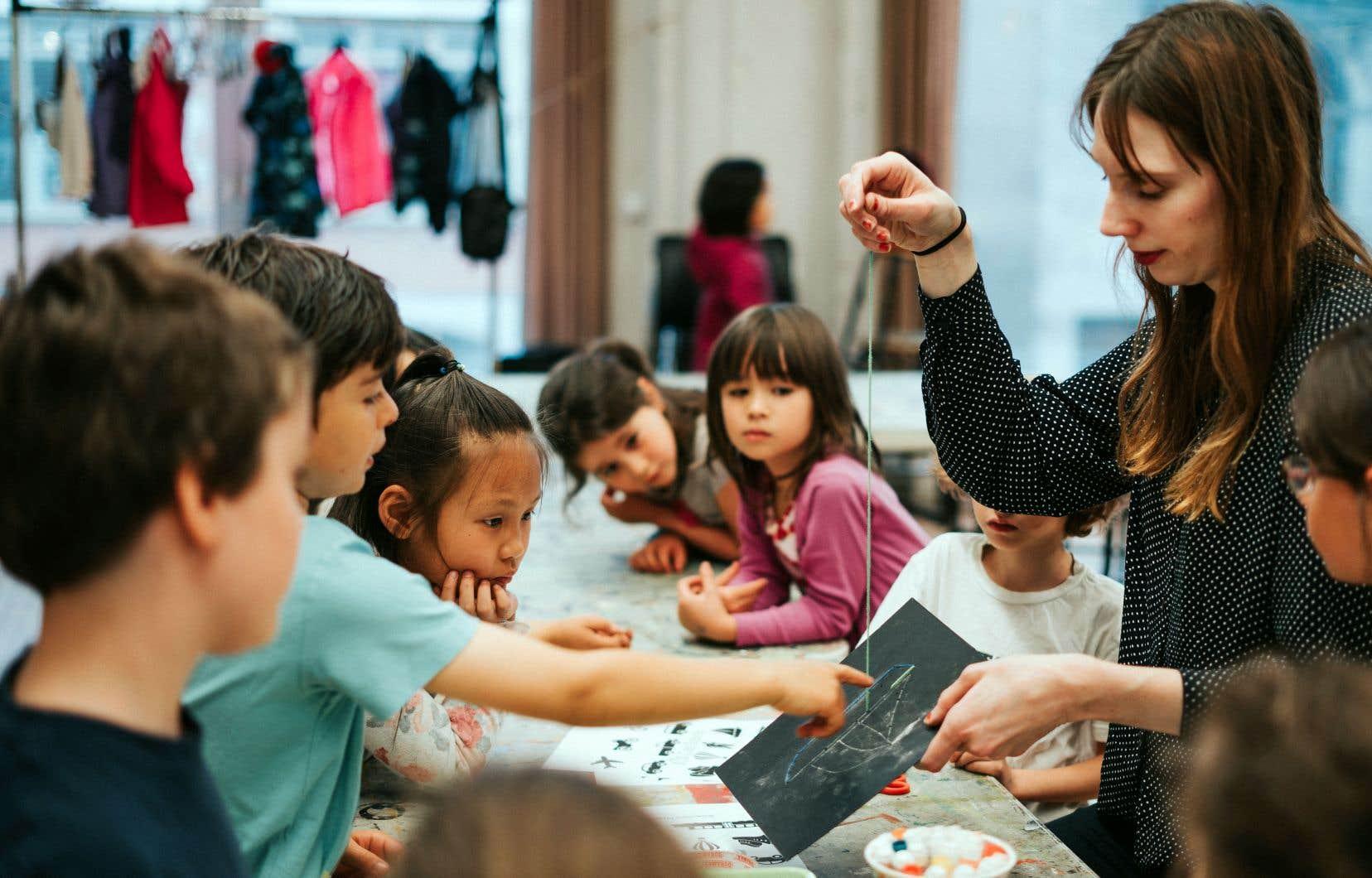 L'accessibilité et la diversité d'approches qu'offre le Centre des arts visuels vont au-delà des 300 cours et plus qui sont offerts dans l'établissement chaque année.