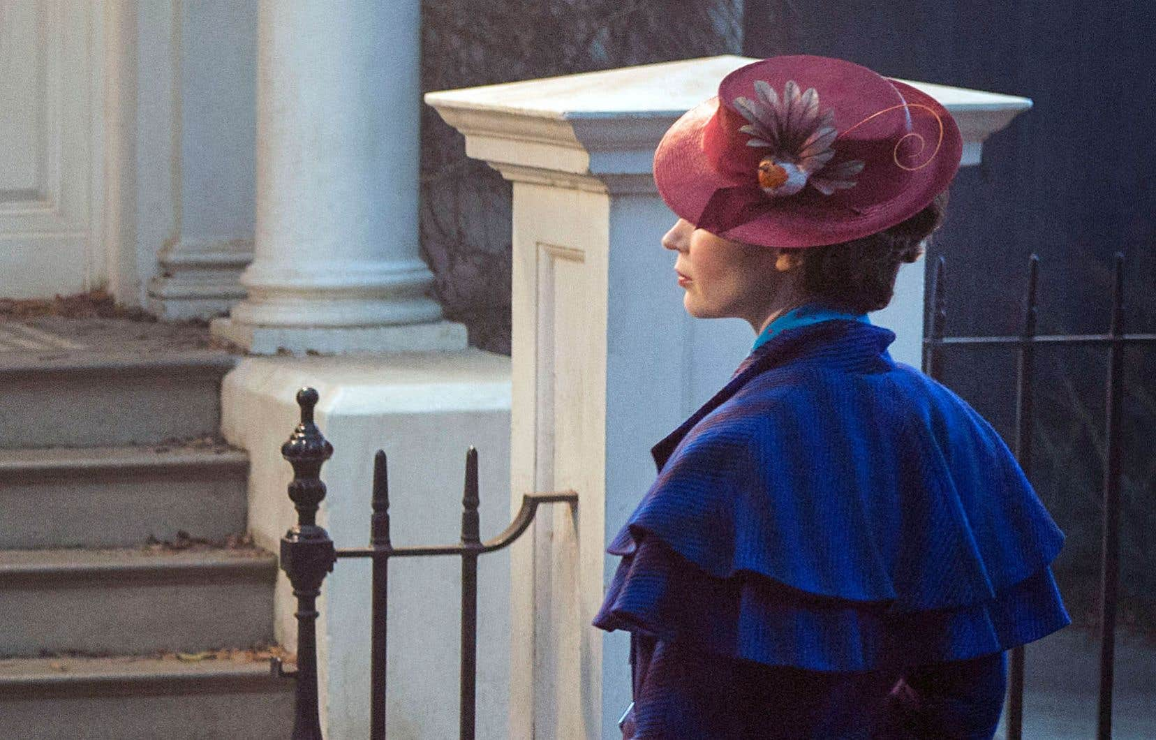 La plus célèbre des nounous anglaises, Mary Poppins, est de retour ce Noël sous les traits de l'actrice Emily Blunt.